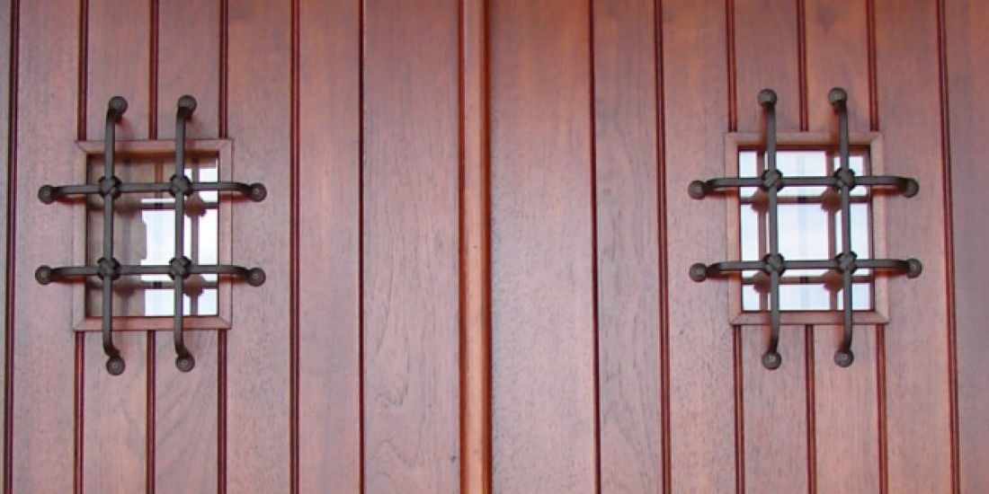 wooden door locksmith services Chandlers Ford
